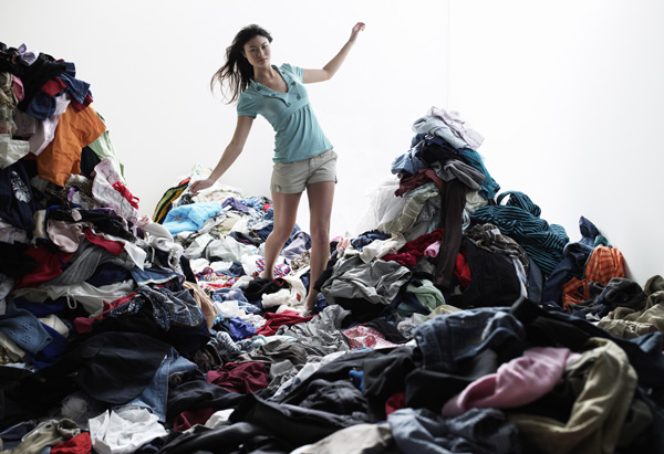 https://www.investorwize.com/wp-content/uploads/2015/10/20110411-5-steps-to-kick-start-your-clutter-cleaning-600x411.jpg