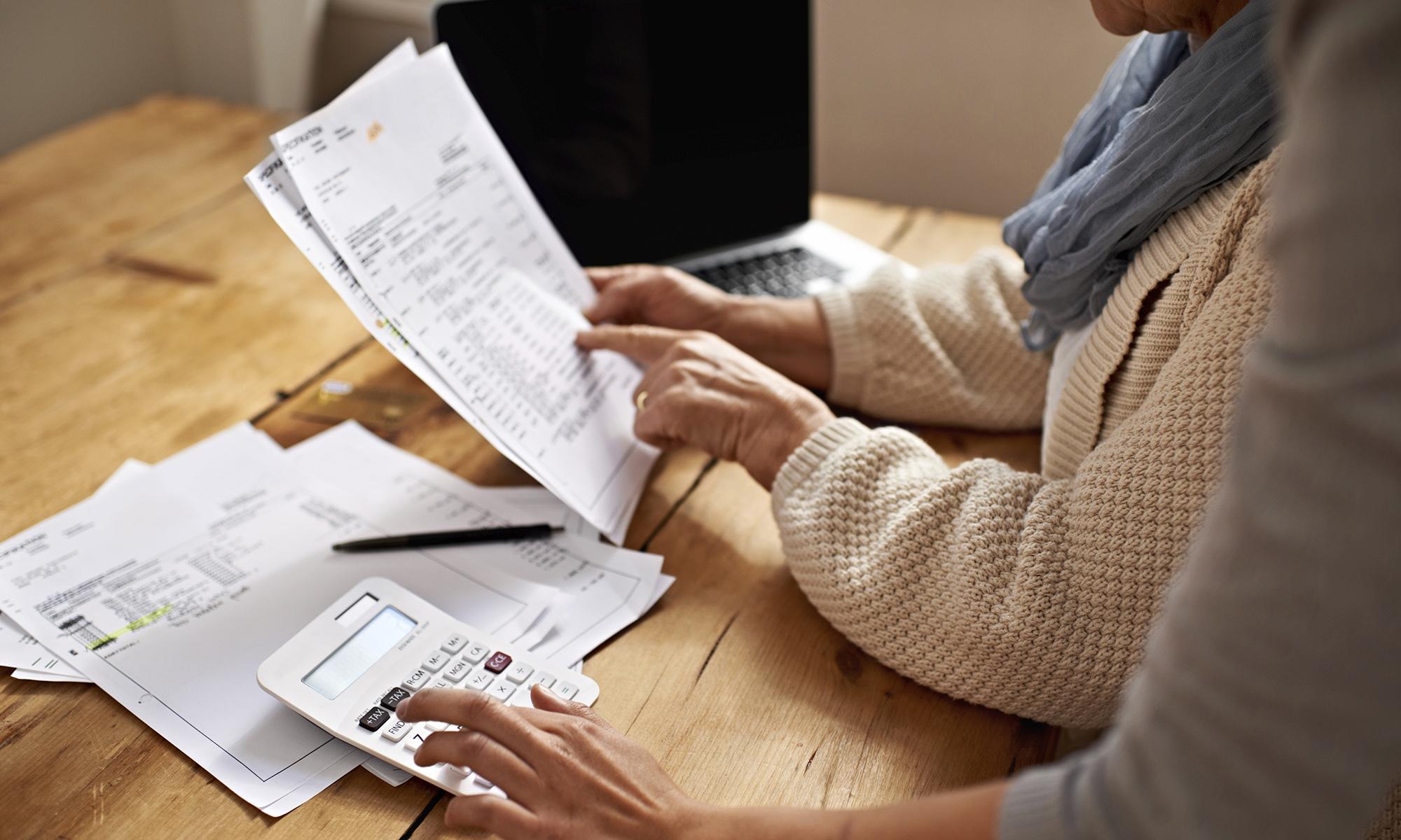 https://www.investorwize.com/wp-content/uploads/2016/10/estate-or-inheritance-tax-quiz-494146669.jpg