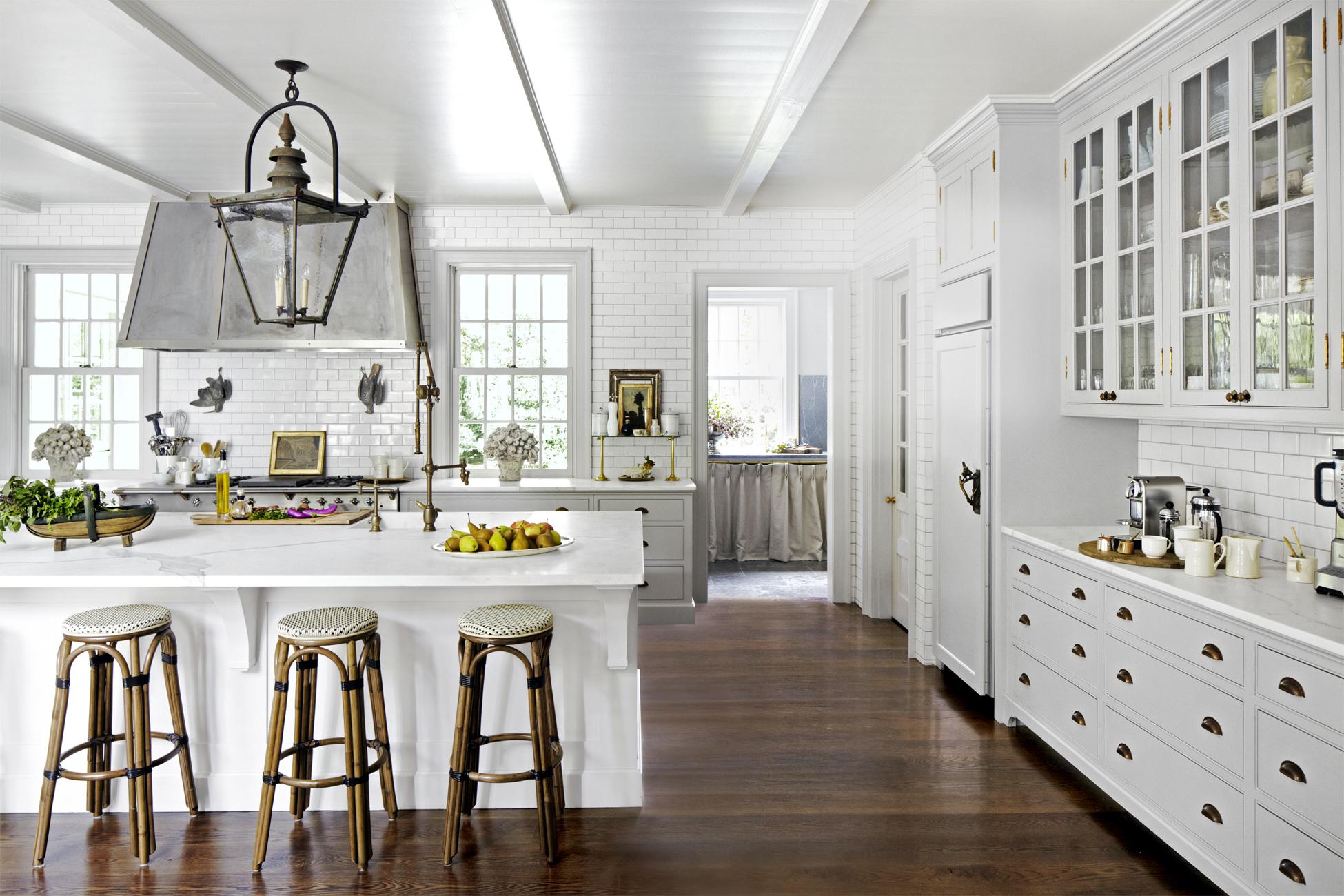 https://www.investorwize.com/wp-content/uploads/2018/01/1483474392-kitchen-reinvention-dark-floors-0117.jpg